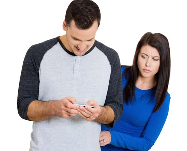 How do I trust my husband with his phone? Answers to this and 4 other tough marriage questions!