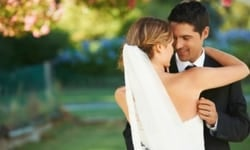 Newlywed Couple - 9 Thoughts That Can Change Your Marriage