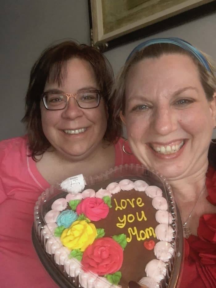 Mothers Day Cake - On Magpies, Jogging, and Listening to Podcasts